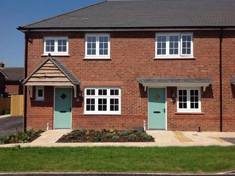 2 Bedrooms Mews House for sale in Bostock Avenue, Chestnut Grange, Tattenhall