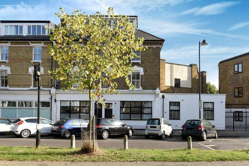 3 Bedrooms Flat for sale in Petherton Road, Highbury, N5