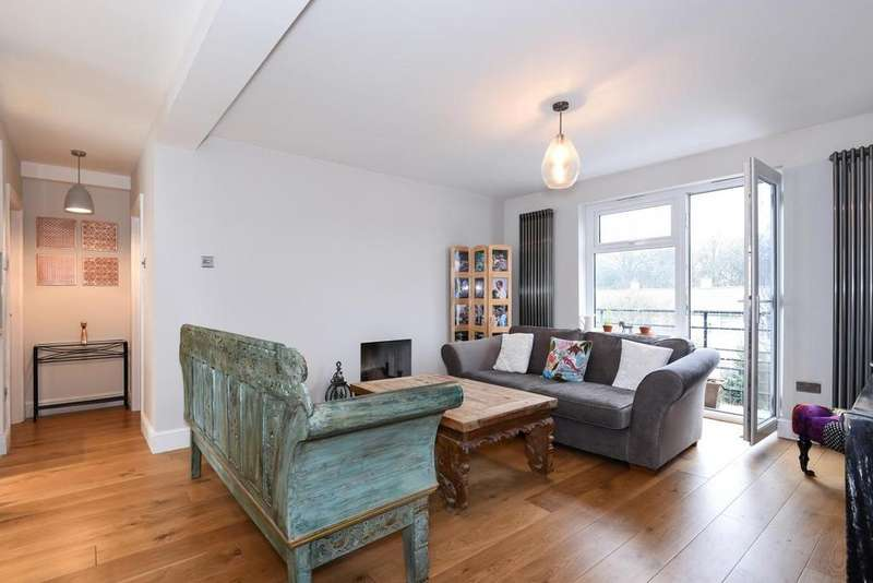 2 Bedrooms Flat for sale in Taymount Rise, Forest Hill, SE23