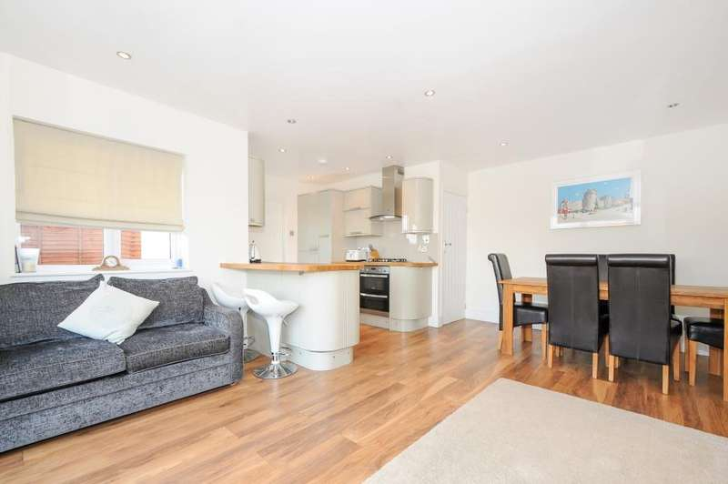 3 Bedrooms Detached House for sale in Gordon Road, Windsor, Berkshire