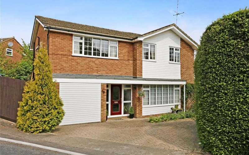 5 Bedrooms Detached House for sale in White Hill Close, Chesham, Buckinghamshire, HP5