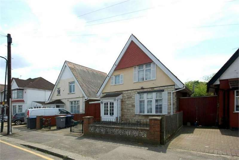 2 Bedrooms Detached House for sale in Park Road, Wembley, Greater London