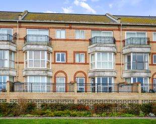 2 Bedrooms Flat for sale in The Saltings Apartments, The Saltings, New Romney