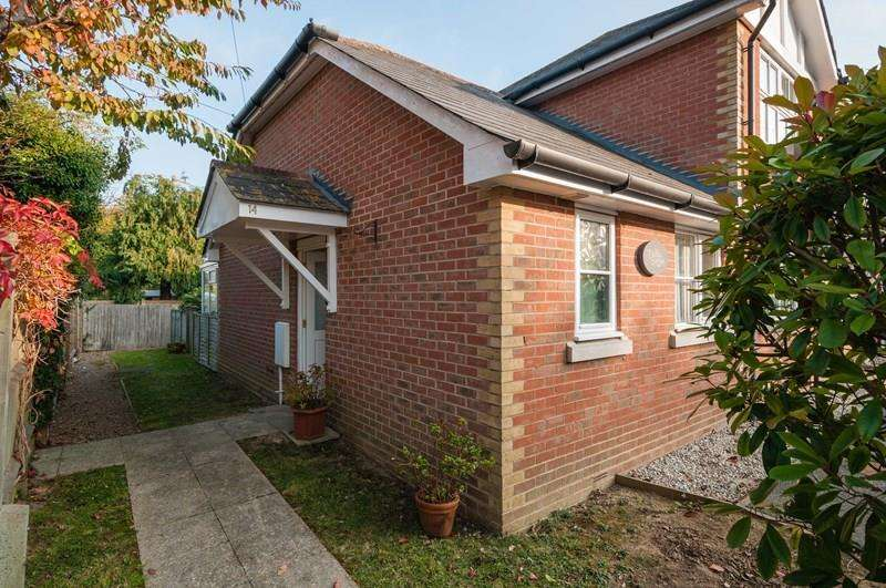 1 Bedroom Retirement Property for sale in Framfield Road, Uckfield