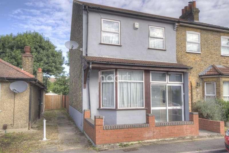 3 Bedrooms Semi Detached House for sale in Winnock Road