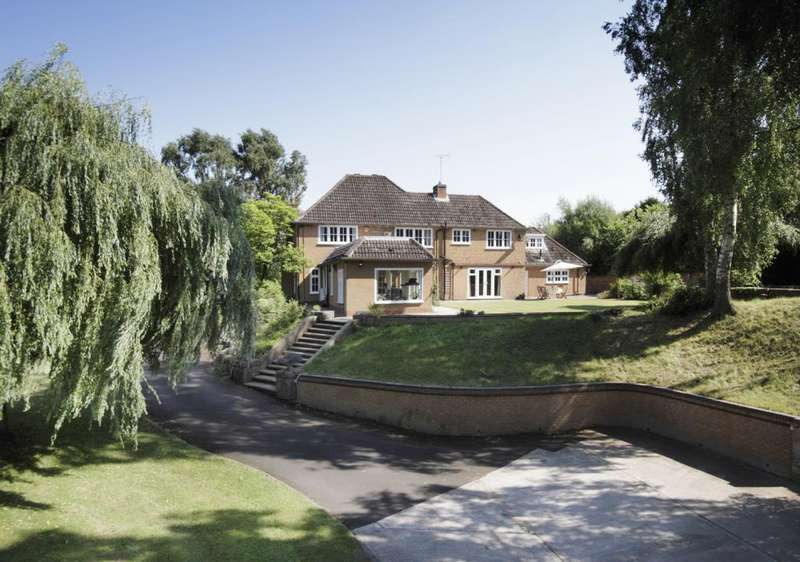 5 Bedrooms Detached House for sale in Prestwood, Stourbridge, West Midlands, DY7