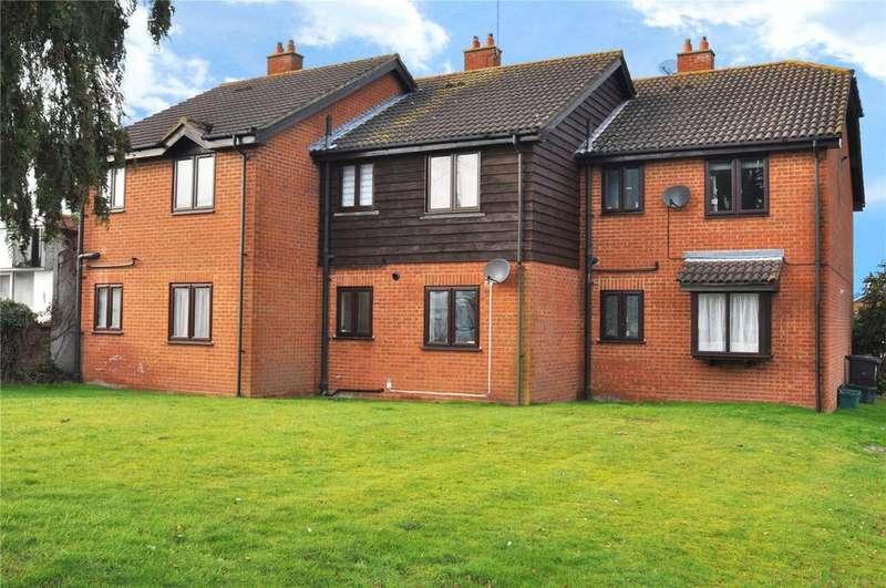 1 Bedroom Maisonette Flat for sale in Larks Ridge, Chiswell Green, St. Albans, Hertfordshire