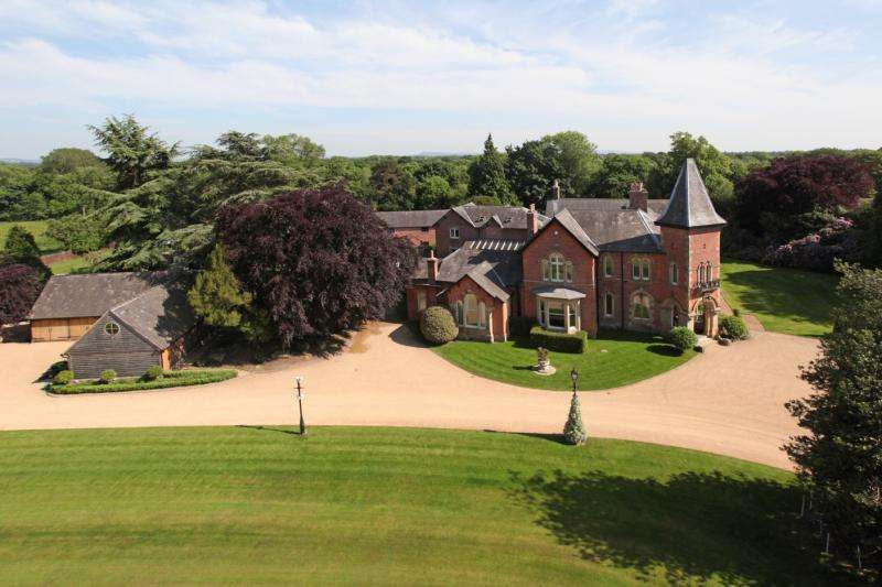 11 Bedrooms Detached House for sale in Warford Hall Drive, Great Warford, Alderley Edge, Cheshire, SK9