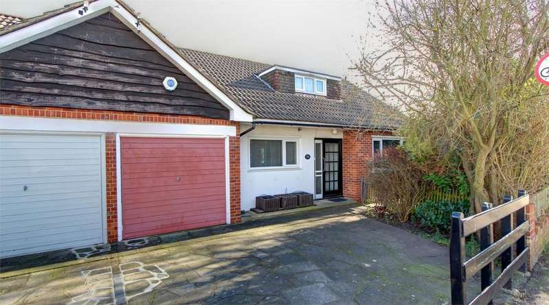 2 Bedrooms Semi Detached Bungalow for sale in Brooklyn Road, Bromley, Kent