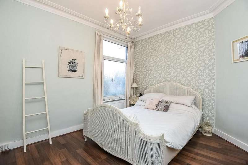 3 Bedrooms Maisonette Flat for sale in Grange Avenue, North Finchley, N12
