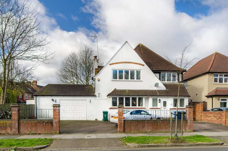 4 Bedrooms Detached House for sale in Fenstanton Avenue, North Finchley, N12
