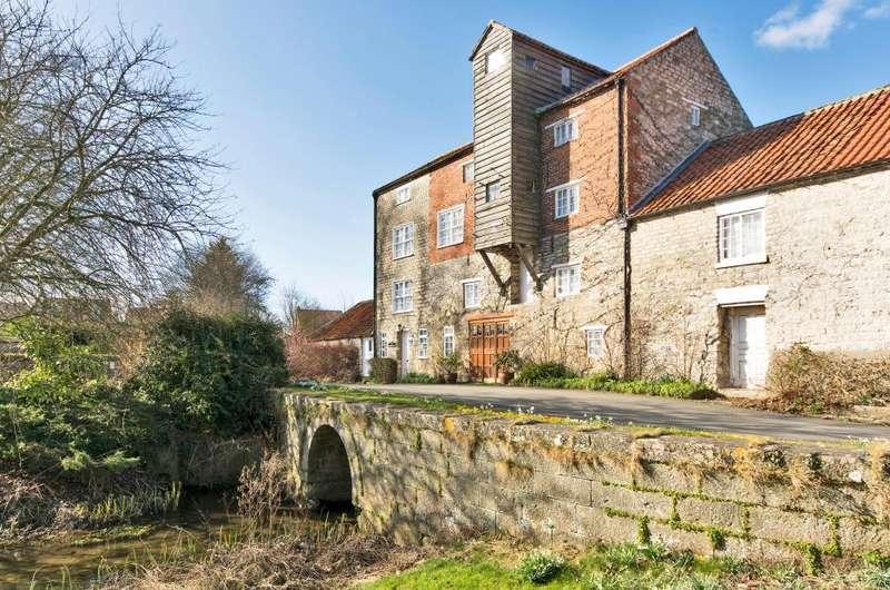 9 Bedrooms Detached House for sale in Pickering, North Yorkshire, YO18