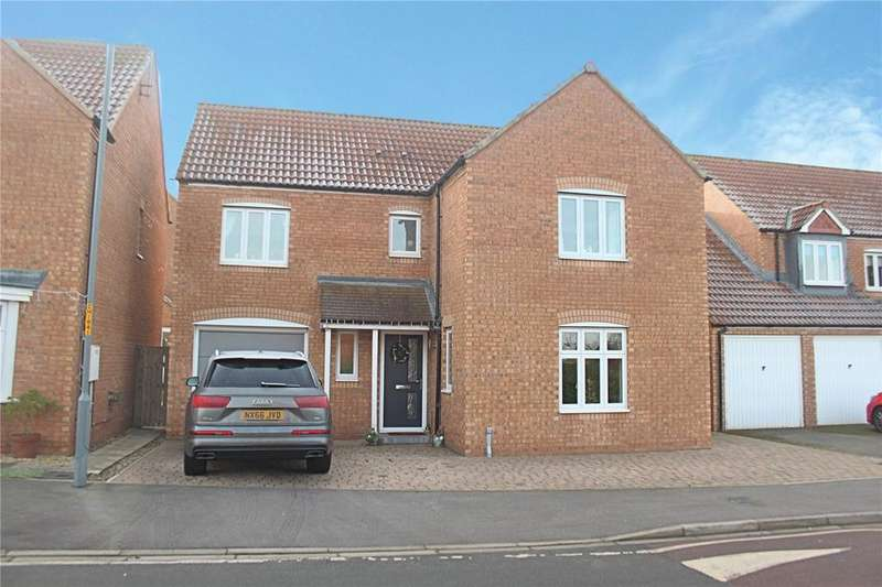 4 Bedrooms Detached House for sale in Hillbrook Crescent, Ingleby Barwick