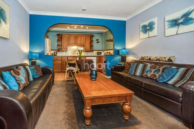 2 Bedrooms Flat for sale in Bower Street, Maidstone