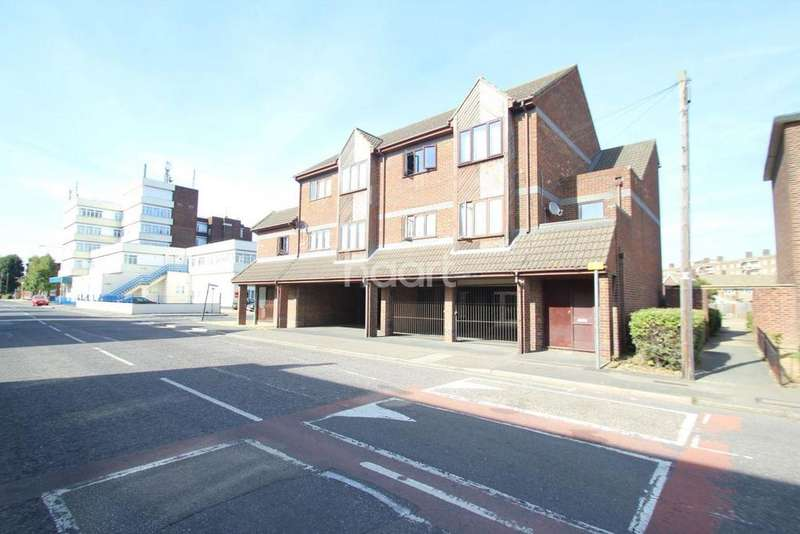 1 Bedroom Flat for sale in Tilbury