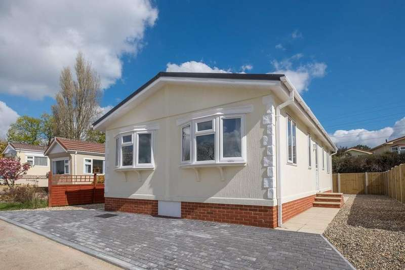 2 Bedrooms Park Home Mobile Home for sale in Folly Lane, East Cowes