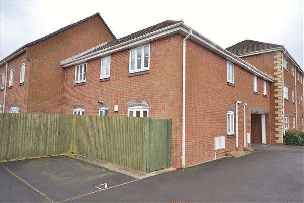 2 Bedrooms Apartment Flat for sale in Goldfinch Court, Gillibrand South, Chorley