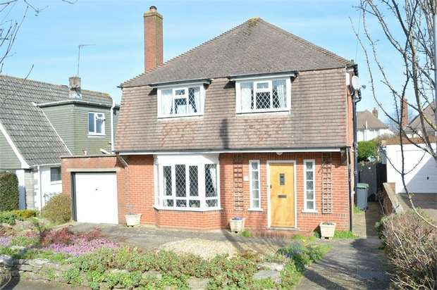 3 Bedrooms Detached House for sale in Inglewood Avenue, Queens Park, Bournemouth