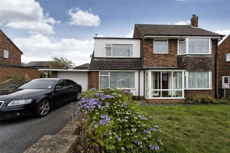 4 Bedrooms Detached House for sale in Manor Road, Soothill, Batley, West Yorkshire, WF17