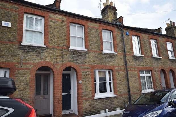 2 Bedrooms Terraced House for sale in Hamilton Road, Twickenham