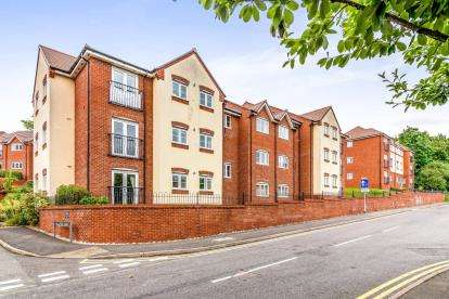 2 Bedrooms Flat for sale in Millstone Court, Stone, Stafford, Staffordshire