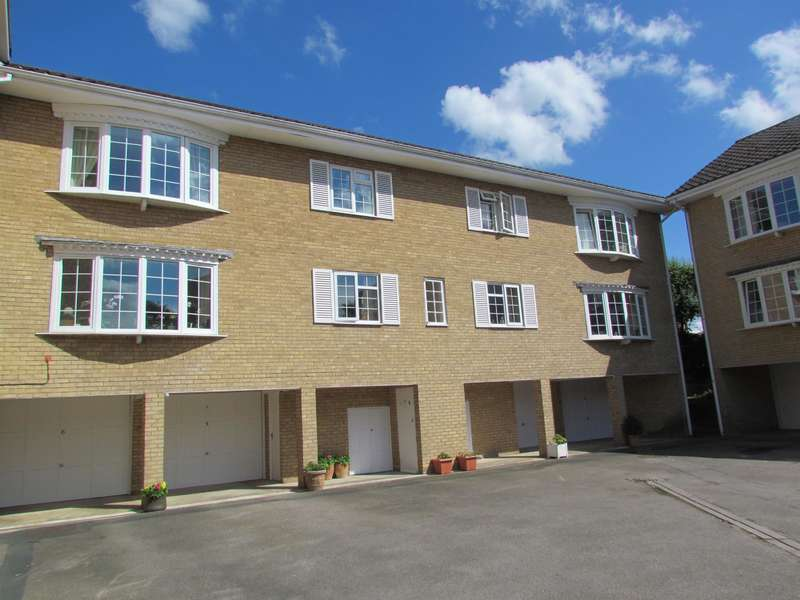 2 Bedrooms Flat for sale in Leconfield Court, Wetherby, LS22 6TY