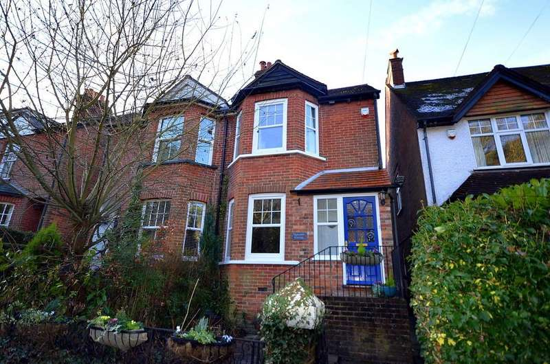3 Bedrooms Cottage House for sale in Tilford Road, Hindhead