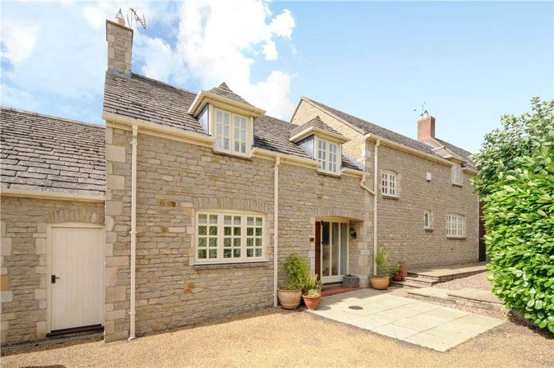 4 Bedrooms Barn Conversion Character Property for sale in Deenethorpe, Deenethorpe, Northamptonshire
