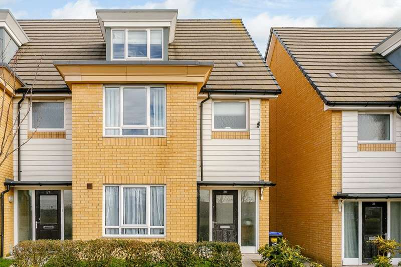 4 Bedrooms Semi Detached House for sale in Meridian Close, Ramsgate, Kent, CT12 6AY