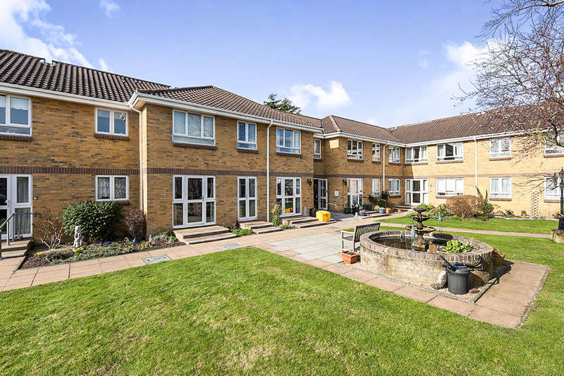 1 Bedroom Flat for sale in Clayton Road, Chessington, KT9