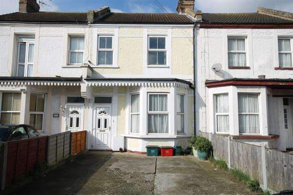 4 Bedrooms House for sale in Hayes Road, Clacton on Sea