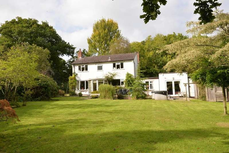 4 Bedrooms Detached House for sale in Sway, Lymington