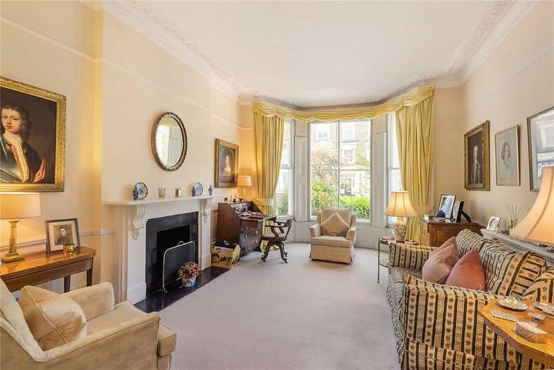 3 Bedrooms Flat for sale in Warwick Gardens, Kensington