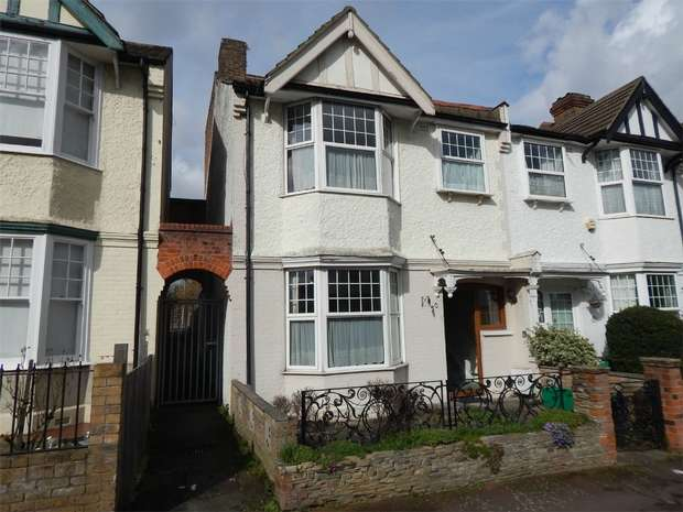 4 Bedrooms Terraced House for sale in Kenilworth Road, Penge, London