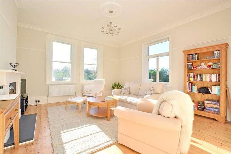 3 Bedrooms Flat for sale in Yester Road, Chislehurst, BR7