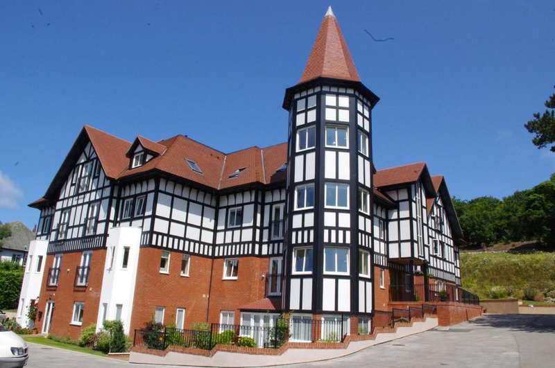 2 Bedrooms Apartment Flat for sale in Bryn Y Bia Heights, Llandudno