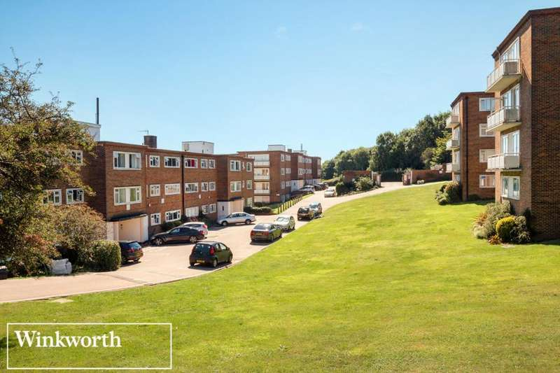 2 Bedrooms Flat for sale in Woodland Court, Dyke Road Avenue, Hove, East Sussex, BN3