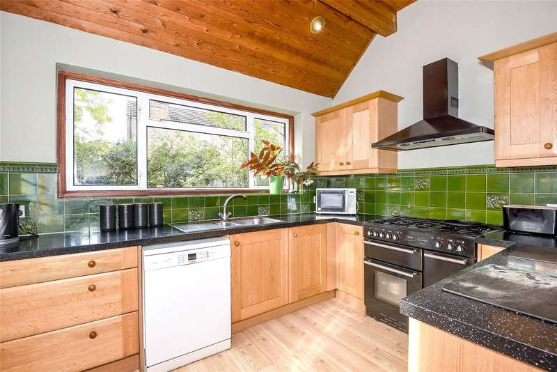 5 Bedrooms Semi Detached House for sale in Hamilton Road, Harrow, Middlesex, HA1