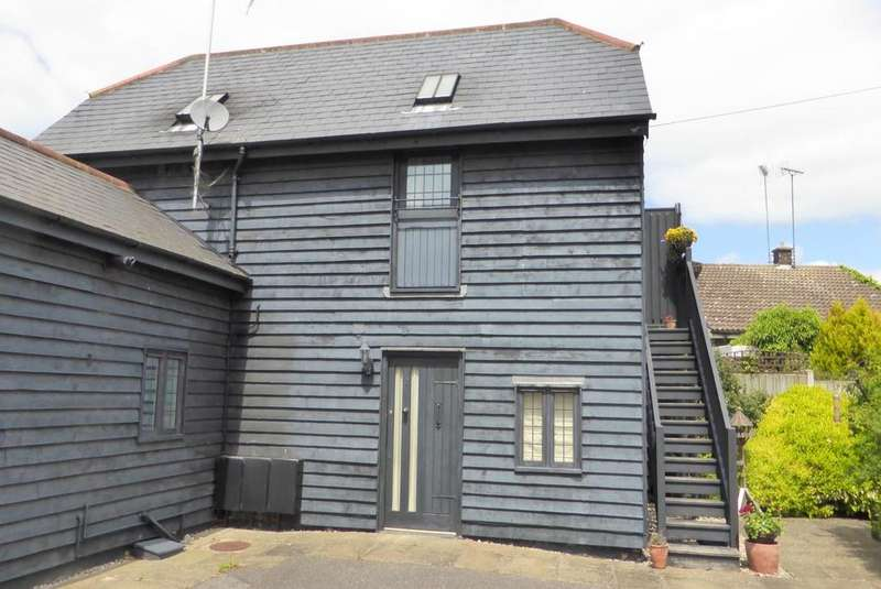 1 Bedroom Apartment Flat for sale in Stable Yard, The Green, Blackmore, Ingatestone, Essex, CM4