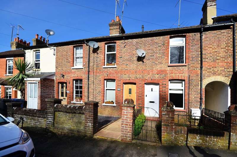 2 Bedrooms House for sale in Brighton Road, Godalming, GU7