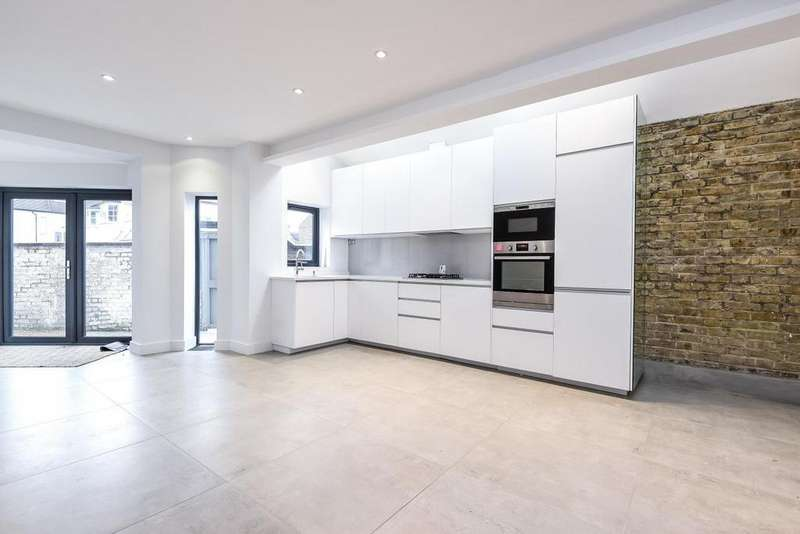 1 Bedroom Flat for sale in Adderley Grove, Battersea, SW11