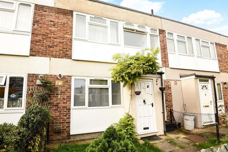3 Bedrooms Terraced House for sale in Pearscroft Road, Fulham, SW6