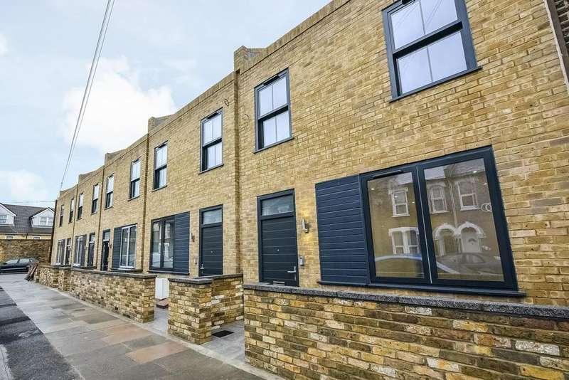 3 Bedrooms Terraced House for sale in Kneller Road, Brockley, SE4