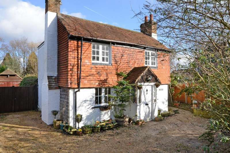 3 Bedrooms Cottage House for sale in Hawley Road, Blackwater
