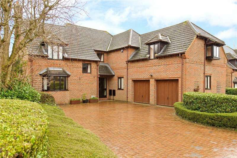 5 Bedrooms Detached House for sale in Saunders Close, Wavendon Gate, Milton Keynes, Buckinghamshire