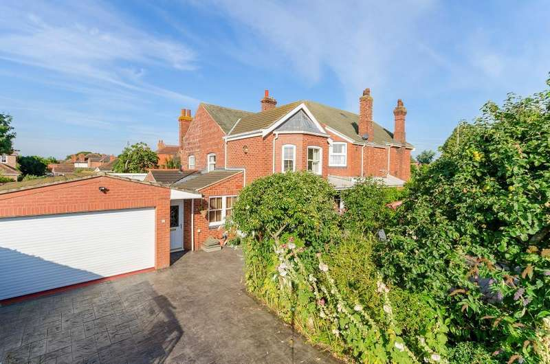 4 Bedrooms Semi Detached House for sale in London Road, Sleaford, Lincolnshire, NG34