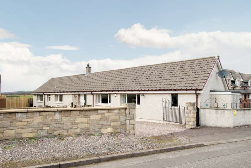 4 Bedrooms Bungalow for sale in Burnbank Terrace, Thornton, Fife, KY1 4AW