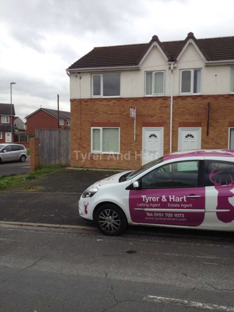 3 Bedrooms Semi Detached House for sale in Manor Row, Liverpool