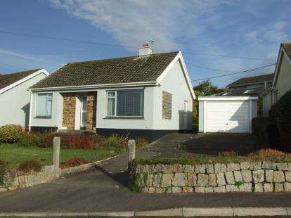 2 Bedrooms Bungalow for sale in Mawnan Smith, Falmouth, Cornwall