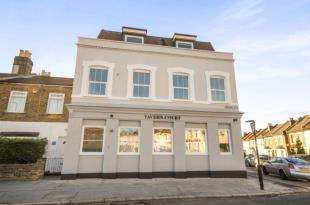 2 Bedrooms Flat for sale in Osborne Road, Thornton Heath
